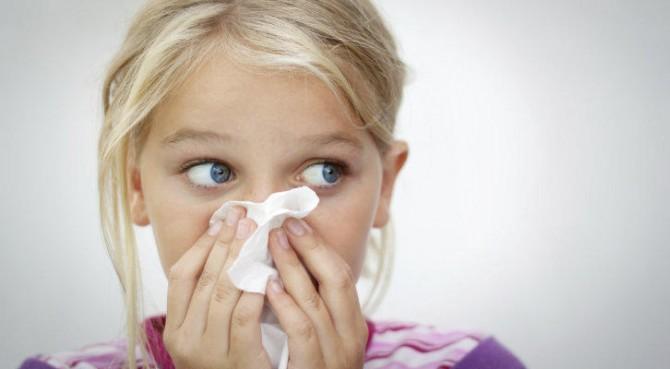 Самый безопасный способ лечения насморка дома