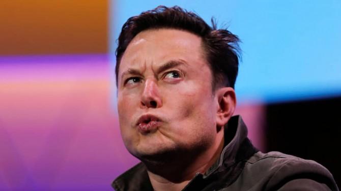 Илон Маск занял второе место в списке богатейших людей мира по версии Bloomberg