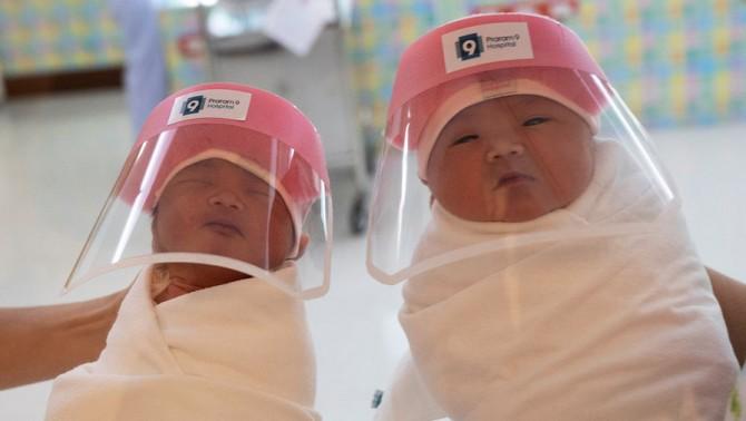 Женщина в Сингапуре родила ребенка с иммунитетом к коронавирусу