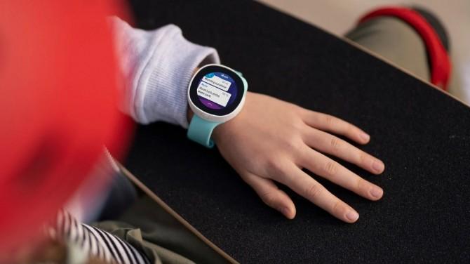 Disney выпустили детские умные часы с