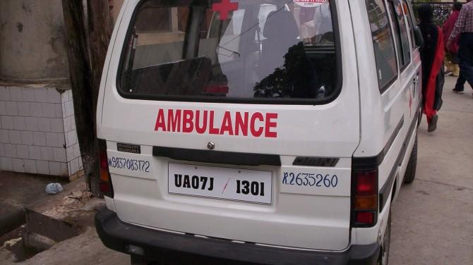 Индийские медики госпитализировали более 350 человек с неизвестной болезнью