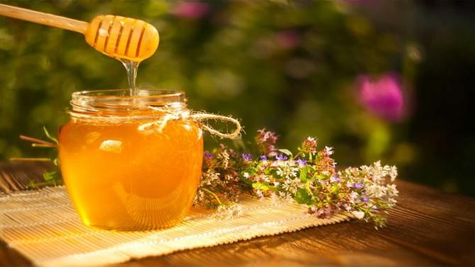 Эндокринолог предупредила о риске впасть в кому из-за большого количества съеденного меда