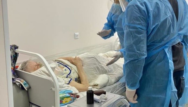 В Украине за сутки существенно снизилась заболеваемость на коронавирус