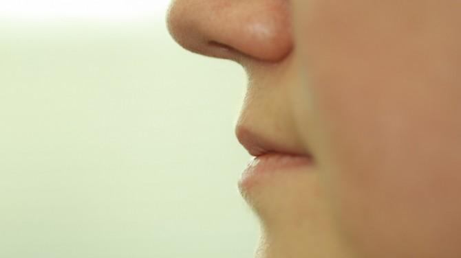 Британка почти 60 лет прожила с апельсиновой косточкой в носу