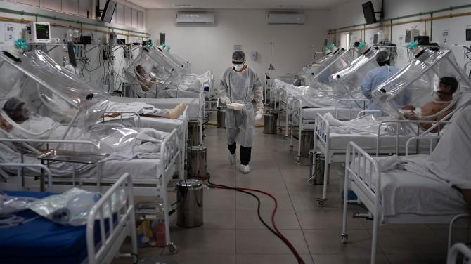 Жители Бразилии заразились двумя вариантами коронавируса одновременно