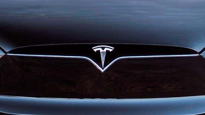 Компания Tesla планирует создать коммерческий автомобиль