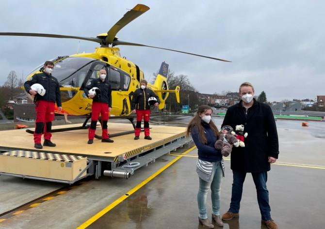 В Германии женщина родила ребенка в вертолете на высоте 150 метров