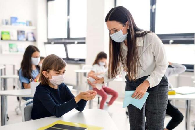 В Минобразования дали рекомендации по работе школ во время адаптивного карантина