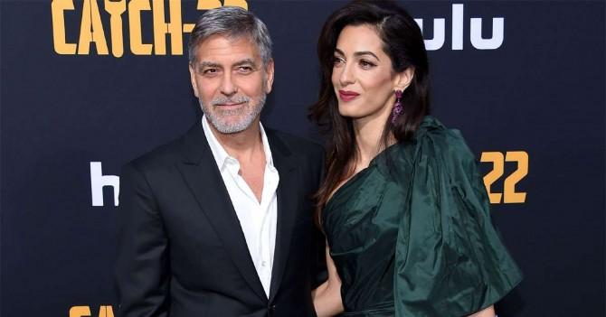 Джордж Клуни пожаловался на запрет жены приближаться к дочери