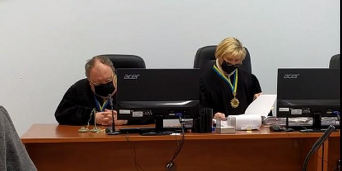 Судья Черниговского апелляционного суда заснул прямо во время заседания (ВИДЕО)