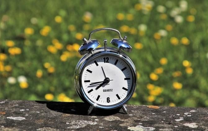 Верховной Раде не хватило голосов, чтобы отменить перевод часов в Украине