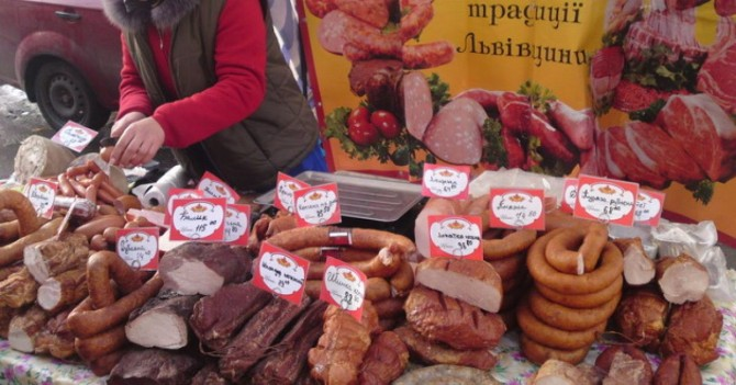 В Киеве запретили проведение продуктовых ярмарок из-за COVID-19