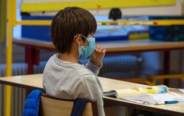 В Киеве приостановили прием детей в первые классы