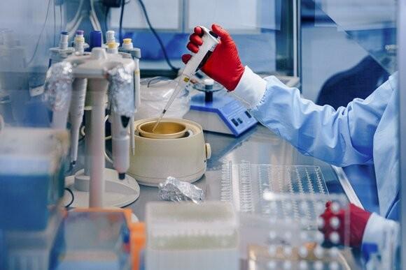 Ученые испытали новый эффективный препарат против коронавируса