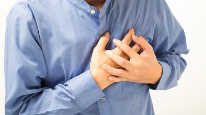 Медики назвали ключевой симптом сердечного приступа