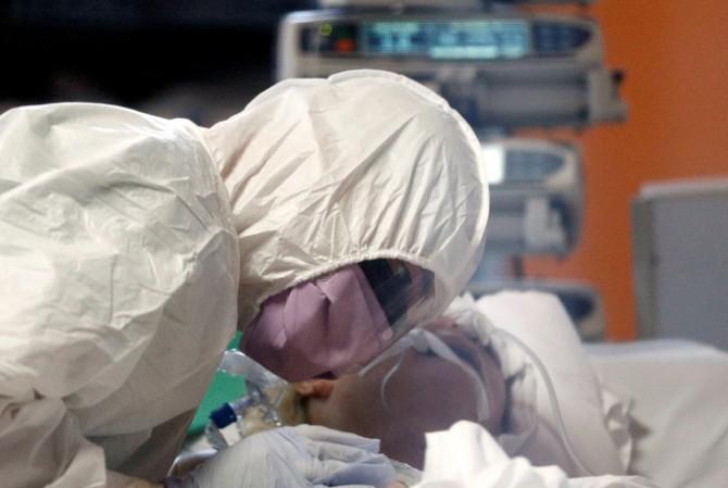 Жертвами коронавируса за минувшие сутки стали 464 украинца