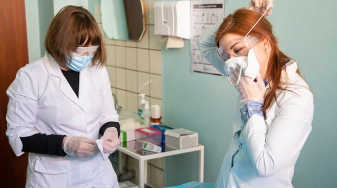 За минувшие сутки коронавирус в Украине обнаружили у 12112 человек
