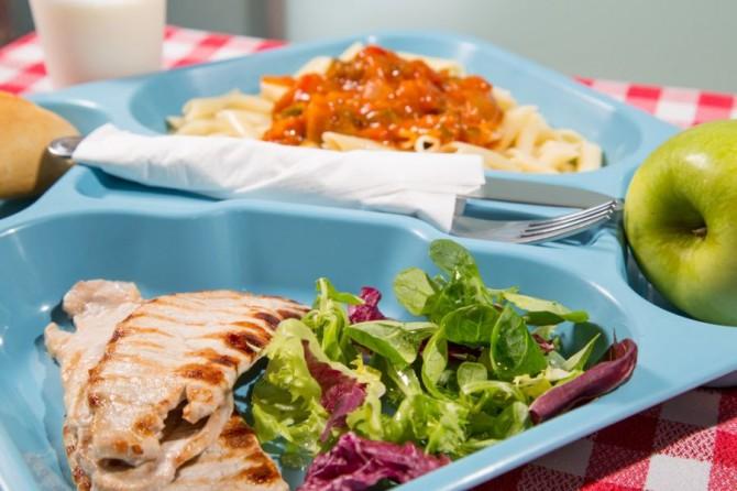 С 1 сентября в украинских школах заработают новые нормы питания
