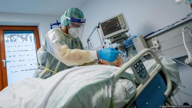 Коронавирус в Украине за сутки 14 553 новых случаев и 467 смертей