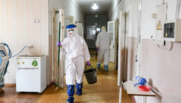 За минувшие сутки коронавирус в Украине обнаружили у 8549 человек