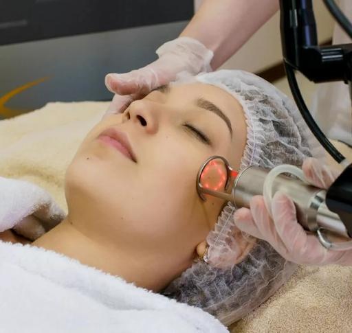 Лазер или скальпель: преимущества разных методов омоложения кожи