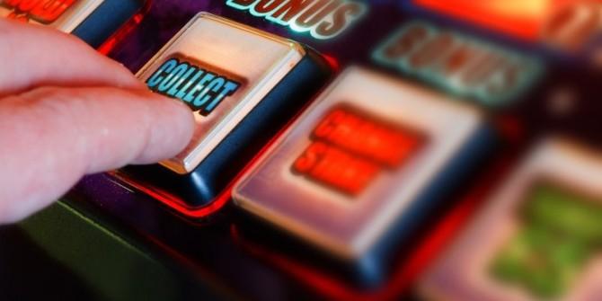 Турист, случайно зашедший в одно из казино Лас-Вегаса, выиграл два миллиона долларов