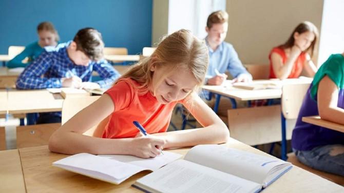 Минобразования и эксперты рассказали, каким будет обучение с сентября