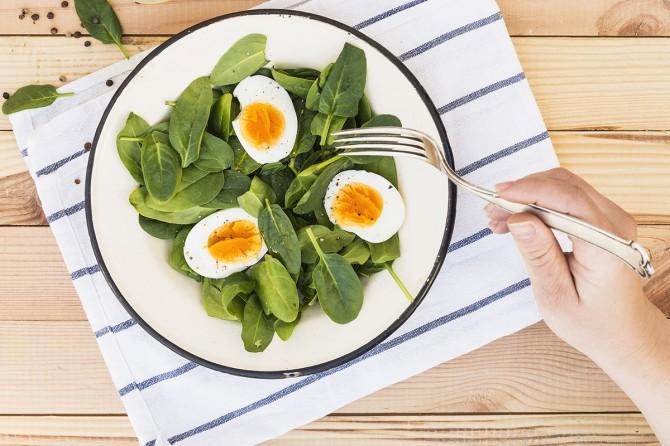 Диетолог развеял популярный миф о вреде яиц