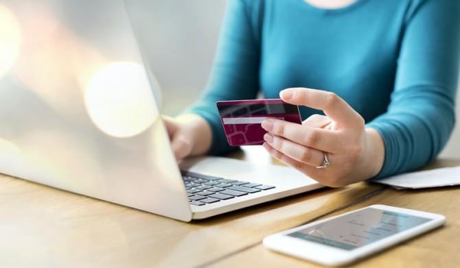 В Украине долги начнут списывать с банковских карт автоматически