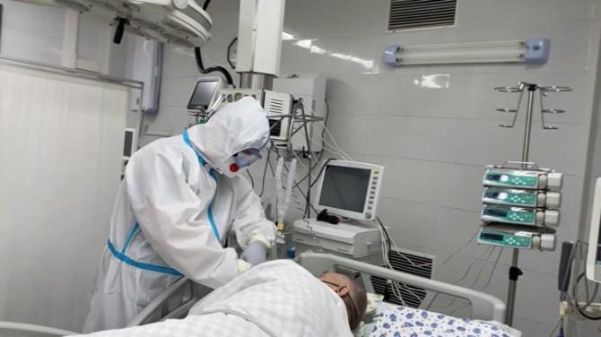 Ученые раскрыли симптомы COVID-19, повышающие в шесть раз риск смерти