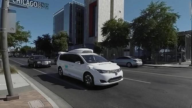 В США беспилотное такси Waymo застряло на дороге и сбежало от техподдержки