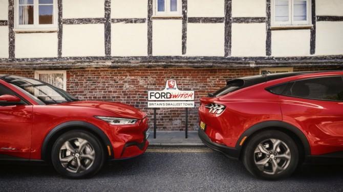 Ford на 3 дня подарил электрокар Mach-E всем жителям крошечного городка в Великобритании