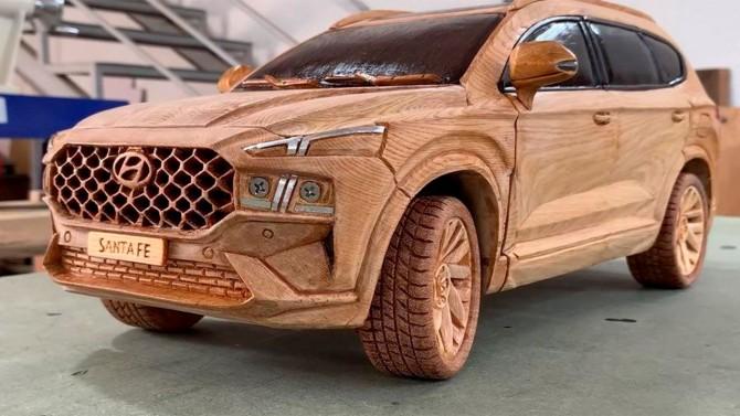 Деревянный брус превратили в точную копию Hyundai Santa Fe