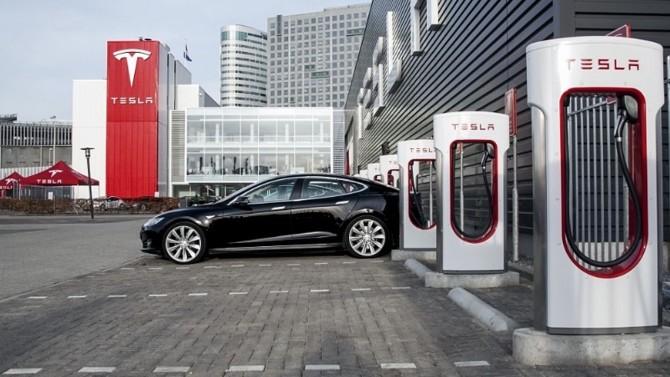 Tesla намерена заняться ресторанным бизнесом