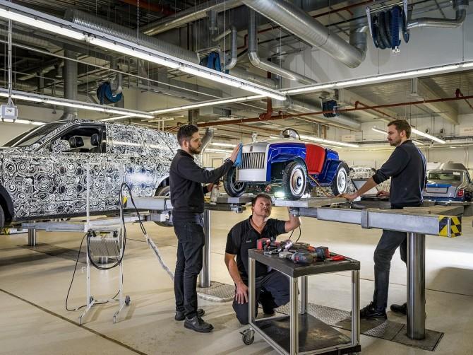 Электрический Roll-Royce Wraith Ride из детской больницы отправился на завод для реставрации