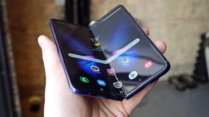 Xiaomi готовит новый складной смартфон