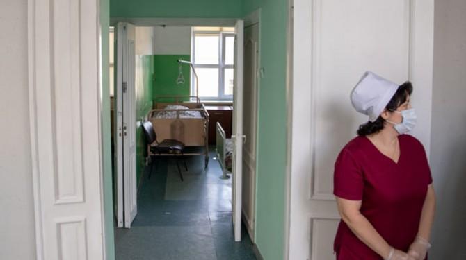 За сутки в Украине обнаружили менее 300 инфицированных COVID-19