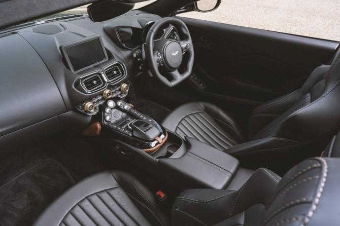 Aston Martin презентовал особый родстер Vantage в честь 100-летия модели A3
