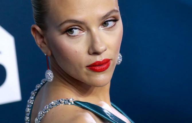Скарлетт Йоханссон подала в суд на Disney из-за онлайн-премьер «Черной вдовы»