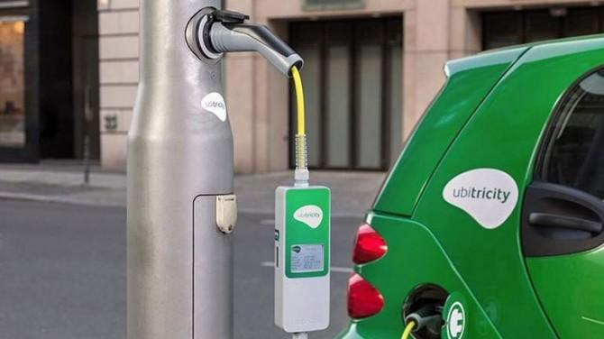 Канзас-Сити установит зарядные устройства для электромобилей на фонарных столбах