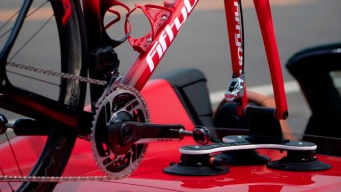 Ferrari F8 Spider теперь может перевозить велосипеды