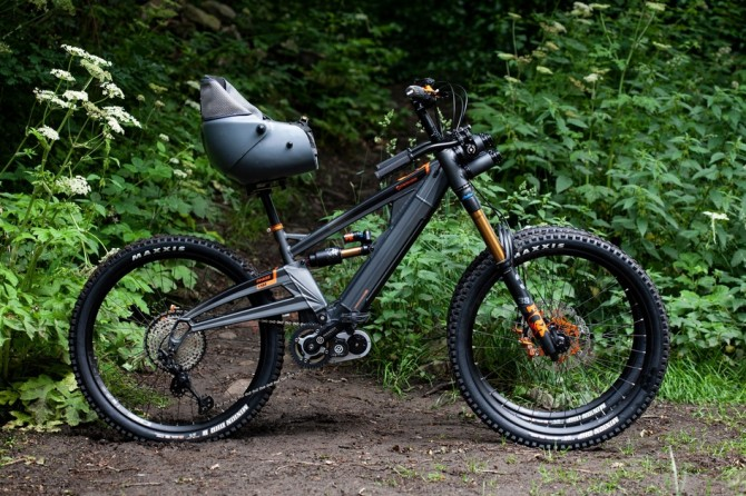 Представлен первый в мире горный велосипед для инвалидов (ВИДЕО)