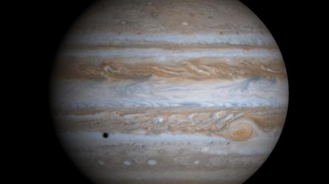 Юпитер пережил столкновение с неизвестным объектом