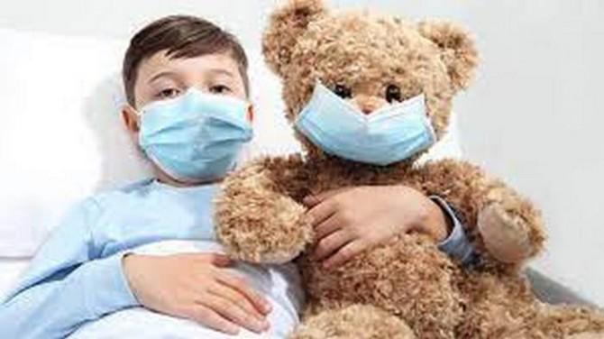 Детей по всему миру поражает новый респираторный вирус