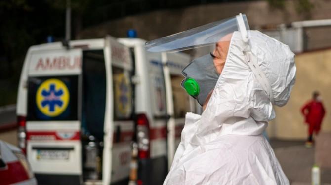 В Украине свыше 8 тысяч новых случаев COVID-19 за сутки