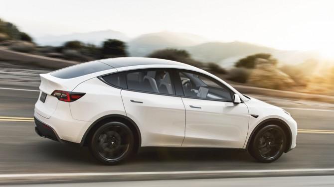 Tesla выпустит Model 3 с пакетом доработок для плохих дорог
