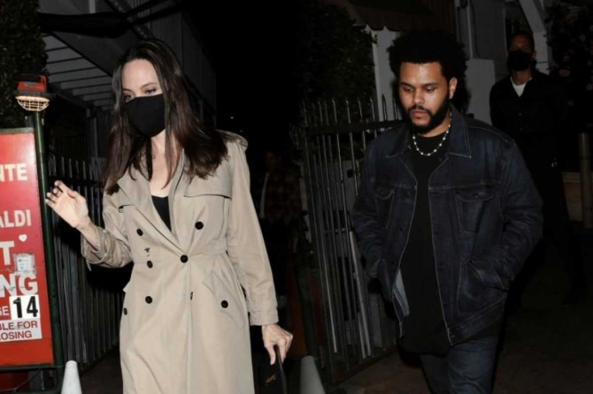 Инсайдер раскрыл детали взаимоотношений Анджелины Джоли и The Weeknd