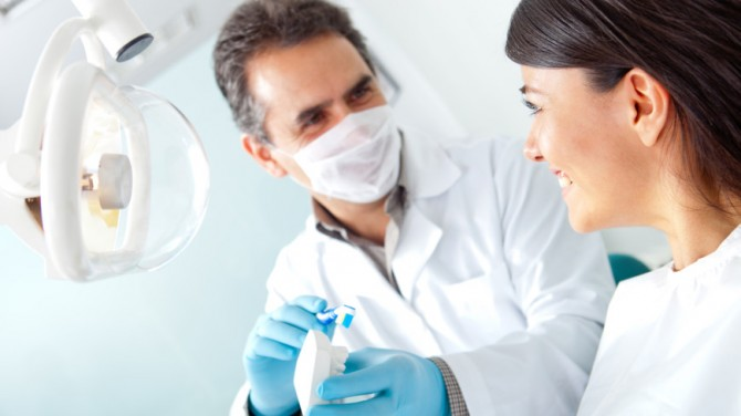 Ученые установили, почему у людей поздно появляются зубы мудрости