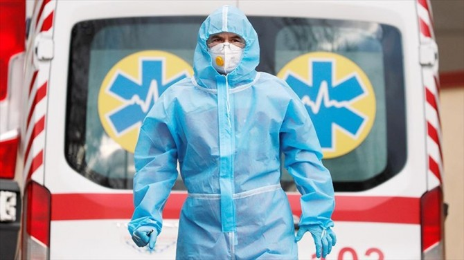 В Украине почти 12 тысяч новых случаев COVID-19 за сутки